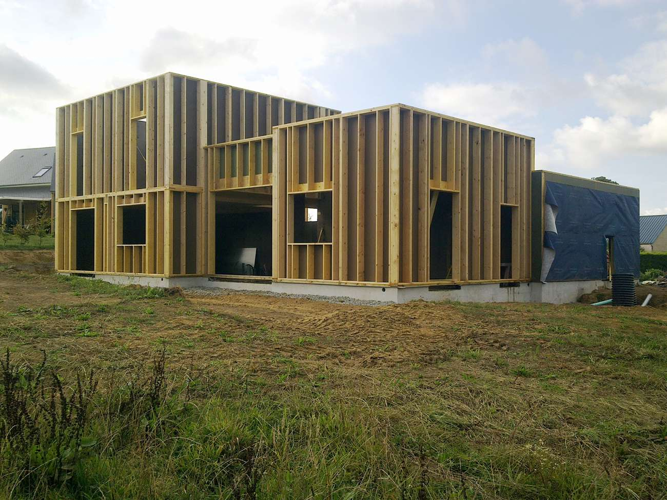 Chantier d 39 une maison passive en bois for Maison passive bois