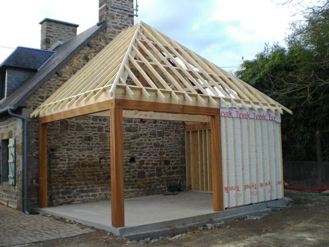 Terrasse en bois naturel et composite cordhomme bois for Extension maison en dur