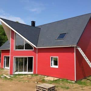 Finition d'une maison BBC bois de couleur